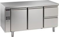 Kühltisch, 3 Abteile, zentralgekühlt, 2 Türen, 2 Schubladen 1/2 Korpushöhe: 650 mm, Tiefe: 700 mm