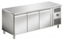 COOL-LINE-Kühltisch, mit 3 Türen, optional auch Schubladenkits möglichKorpushöhe: 700, Tiefe: 700