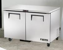 Unterbautiefkühltisch, außen CNS, innen Aluminium, Boden CNS